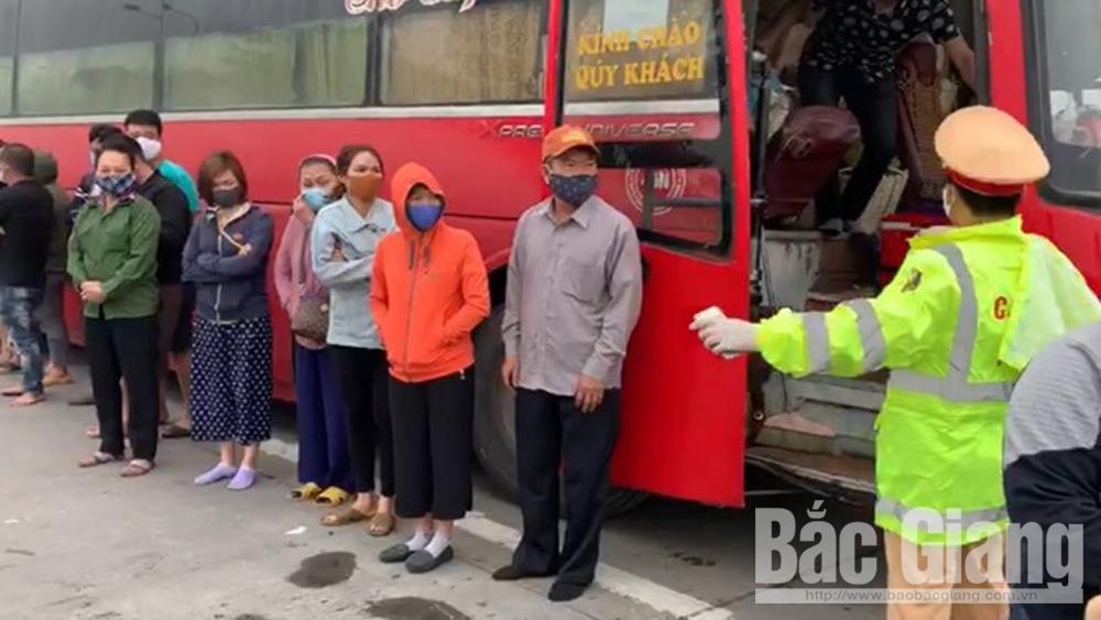 Cách ly tại nhà số người trên xe khách từ TP Hồ Chí Minh ra Hà Nội để về Bắc Giang